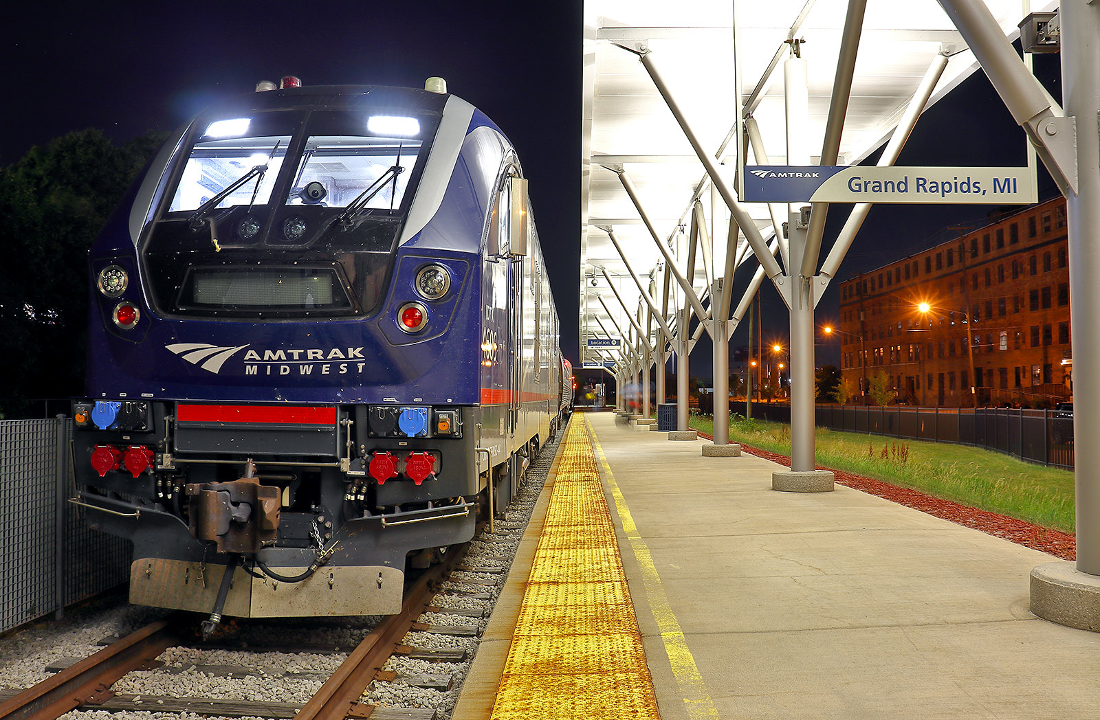 Will Congress hold Amtrak accountable for providing essential passenger rail service?